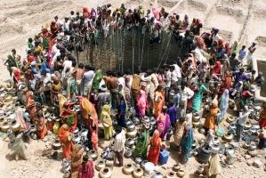 Những bức hình ám ảnh về tình trạng ô nhiễm và khan hiếm nước trên thế giới